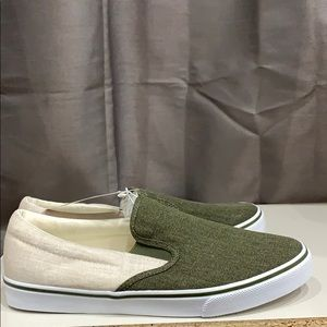 🆕 Old Navy Mixed-Fabric Slip-Ons